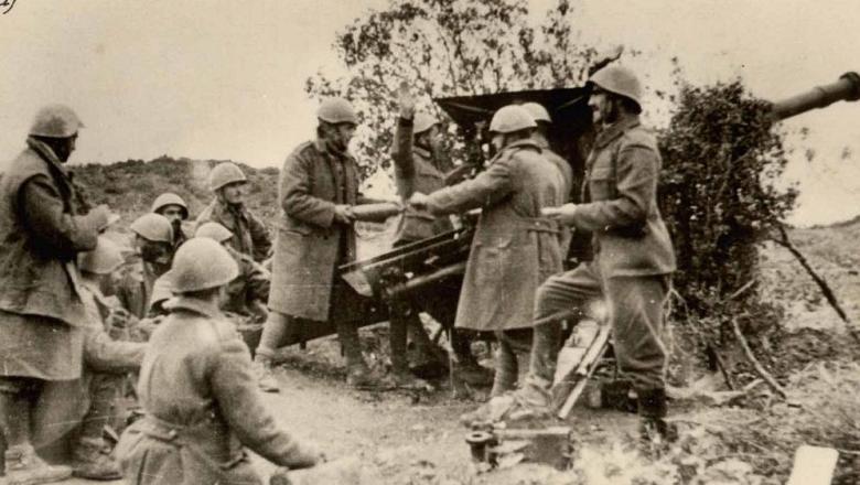 Greek_artilery_Morava_Nov_19401