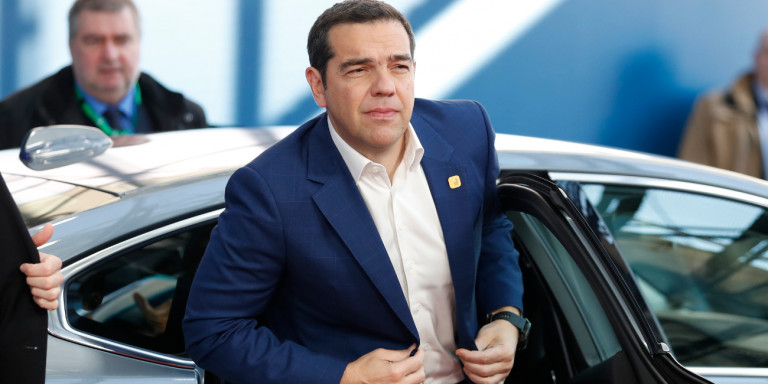tsipras-autokinito-sakaki-brussels.jpg