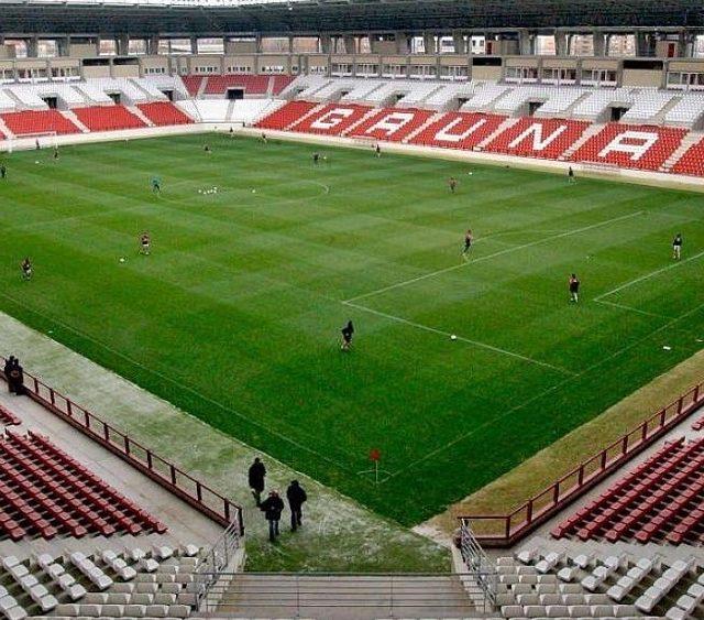Estadio Municipal de Las Gaunas, donde juega el EDF Logroño. Imagen SevillaFC.es