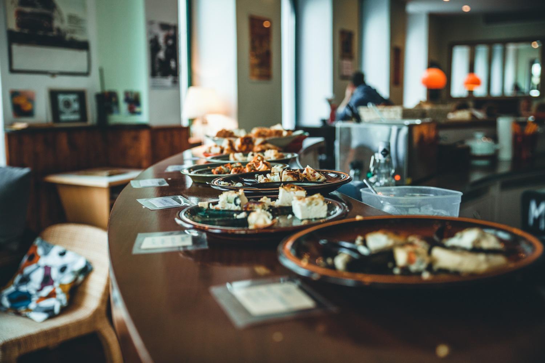 Frühstück im akti:f Café. Foto: Neoheimat
