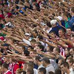 Futball a vírus árnyékában: Izraelben büntetés, itthon miniszteri jutalom