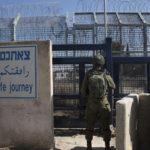Álruhában járják be a Hezbollah terroristái Izrael határait