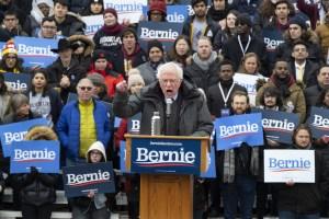 Hitlerrel kampányol Trump ellen Bernie Sanders