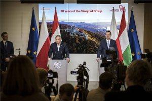 """""""Arcvesztés nélkül"""": ezért fogadta el Orbán az EU-záródokumentumot"""