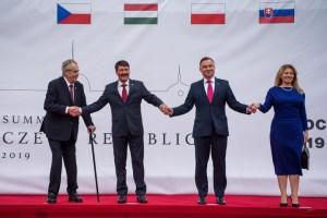 A V4 államfői az erőszak beszüntetésére szólították fel Minszket