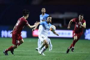 Izraeli focista igazol az Emírségekbe