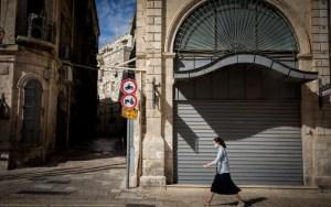 Újranyílnak az üzletek Izraelben, a szakemberek óvatosságra intenek