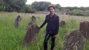 Rongálás miatt tett feljelentést a Mazsök a tállyai temető kapcsán