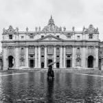 Kilenc év börtönre ítélték a volt vatikáni bankelnököt