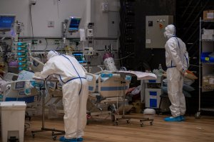 Egy izraeli kórházban rájöhettek a COVID-19 gyógymódjára