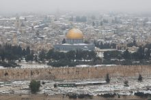 A Sziklamecset, ezúttal szokatlan, télies környezetben Fotó: MTI/EPA/Abir Szultan