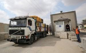 Izrael megnyitotta a gázai határátkelőt a humanitárius segélyek előtt
