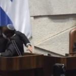 Kivezettették a Knesszetből a vallásos-cionista képviselőt, amiért terroristának nevezte arab kollegáját