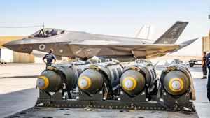 Izrael kész a földdel egyenlővé tenni Irán atomprogramját