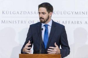 Külügy: kimenekítettek 26 magyart Kabulból