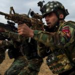 Az amerikaiak és britek által kiképzett afgánok már a tálibok oldalán harcolnak?