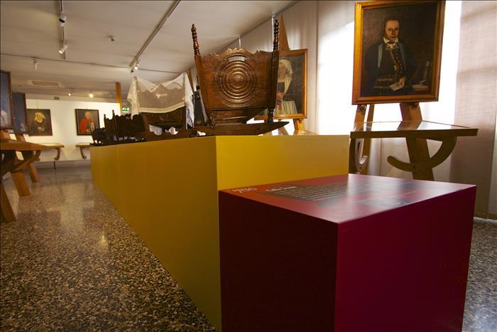 pedana per museo personalizzata