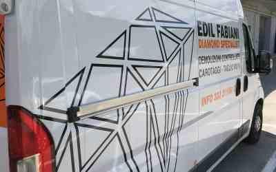 Adesivi furgone personalizzati realizzati con pellicola  Cast 3M .