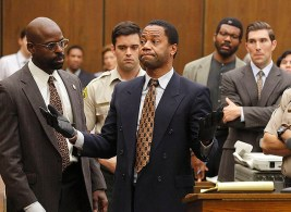"""THE PEOPLE v. O.J. SIMPSON: AMERICAN CRIME STORY """"Conspiracy Theories"""" Episode 107 (Airs Tuesday, March 15, 10:00 pm/ep) -- Pictured: (l-r) Sterling K. Brown as Christopher Darden, Cuba Gooding, Jr. as O.J. Simpson. CR: Ray Mickshaw/FX"""