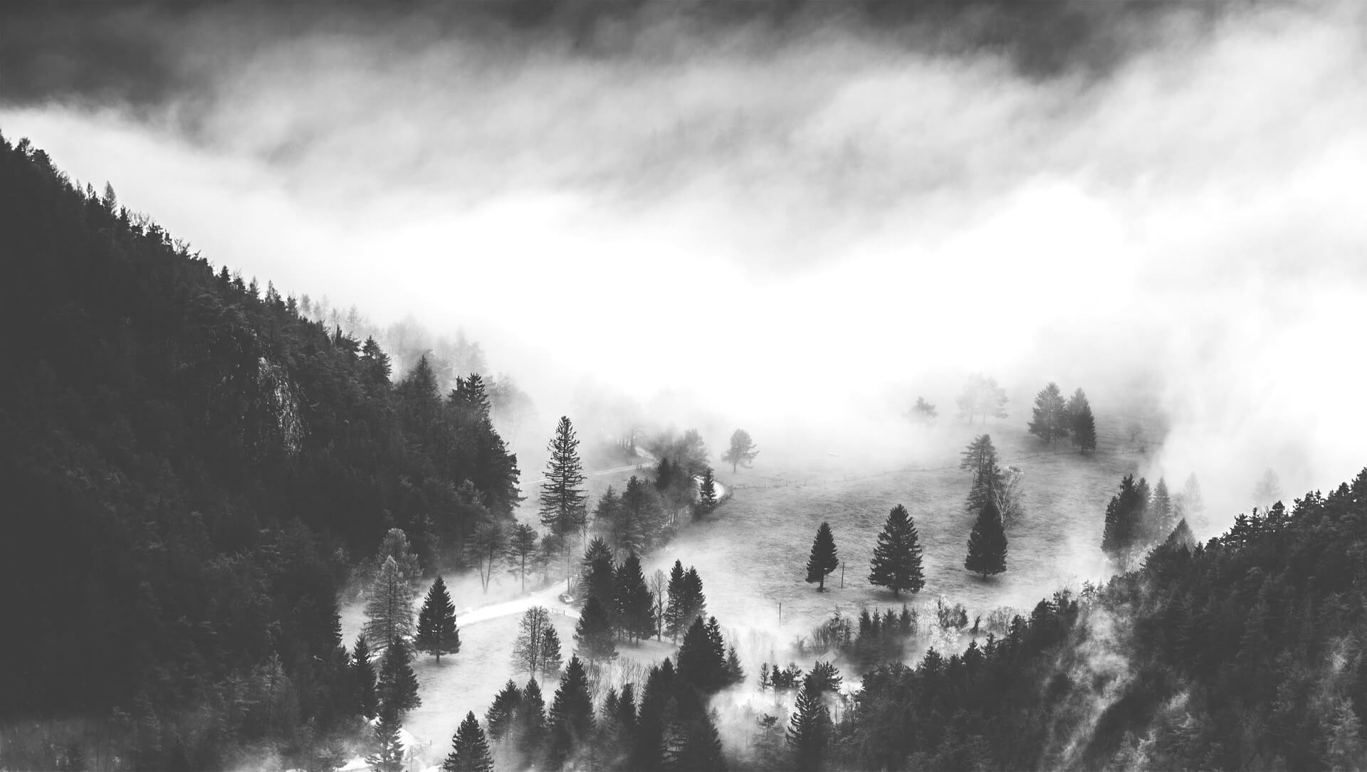 valley-828583_1920.jpg