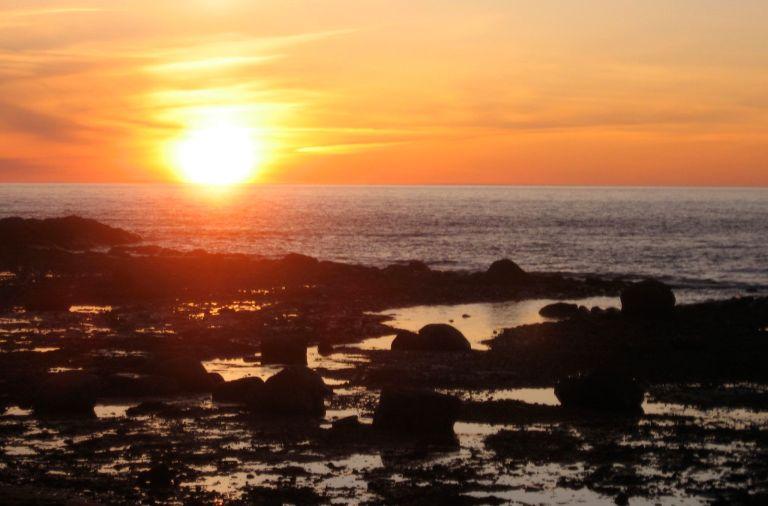 Prendre un spa sur le bord de la mer en Haute-Gaspésie