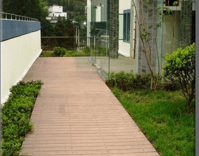 pavimento-madera-exterior-no-necesita-mantenimiento