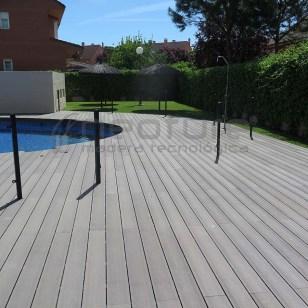 Tarima tecnológica para piscina