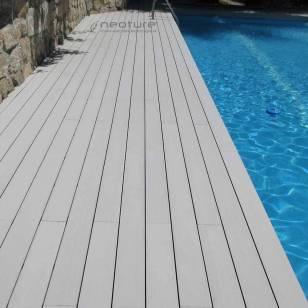 madera sintética piscina