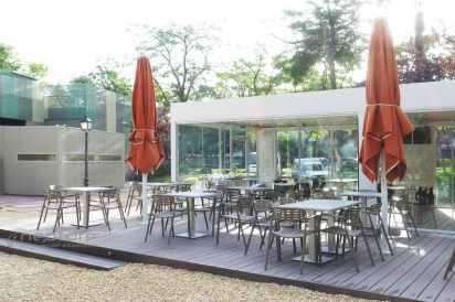 tarima madera composite acristalamiento terraza bar