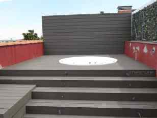 Tarima madera composite exterior terraza ático.