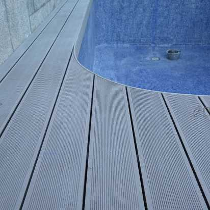 tarima sintetica exterior madera para piscinas