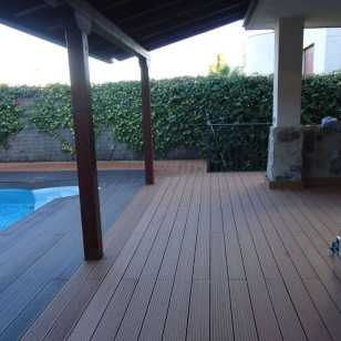 Tarima piscina combinada color Wood y Coffee