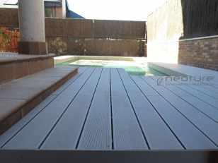 tarima sintetica madera exterior piscina