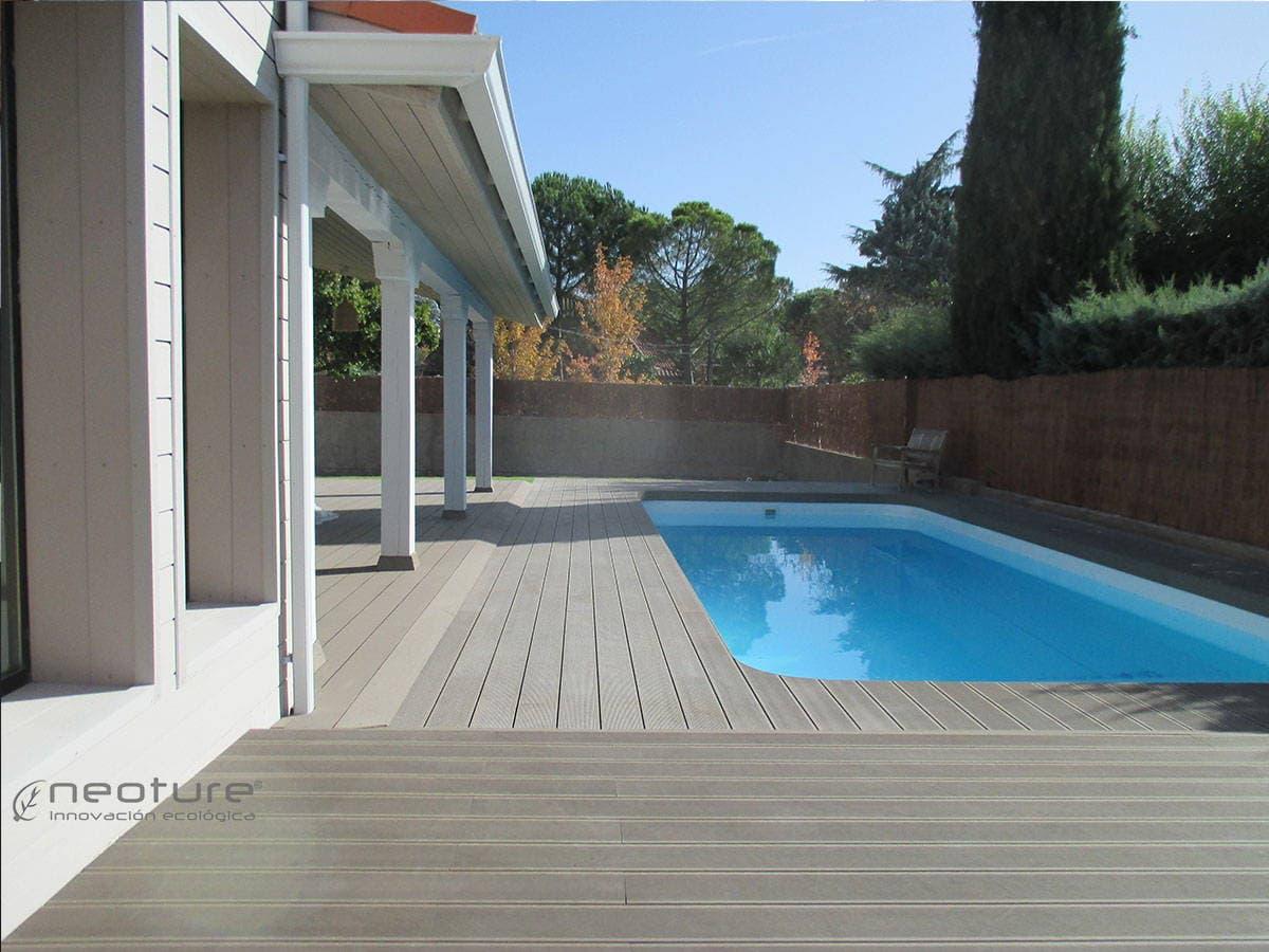 Tarima revestimiento exterior sintetica madera sintetica for Tarima piscina
