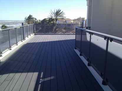 Tarima sinteitca terrazas y jardines