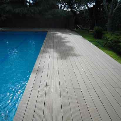 tarima sintética zona piscina