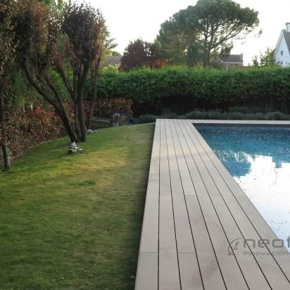 tarima sintetica exterior alrededor piscina