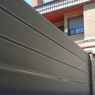 vallado-exterior-madera-sintetica-1