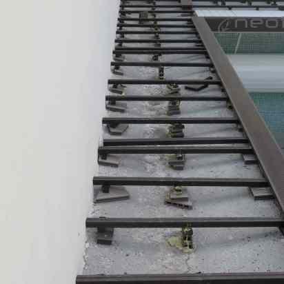 montaje de rastreles tarima madera sintetica piscina