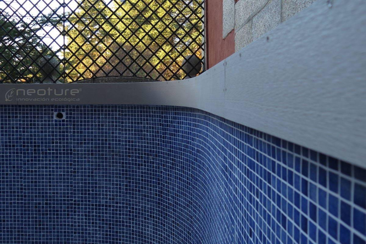 instalacion de tarimas en piscinas , terminacion con embellecedor
