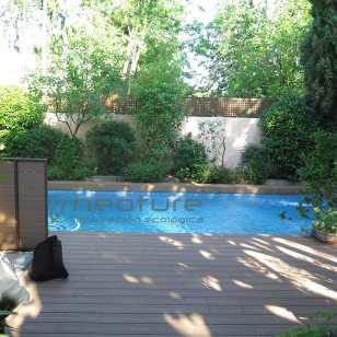Tarima madera exterior sintética piscina