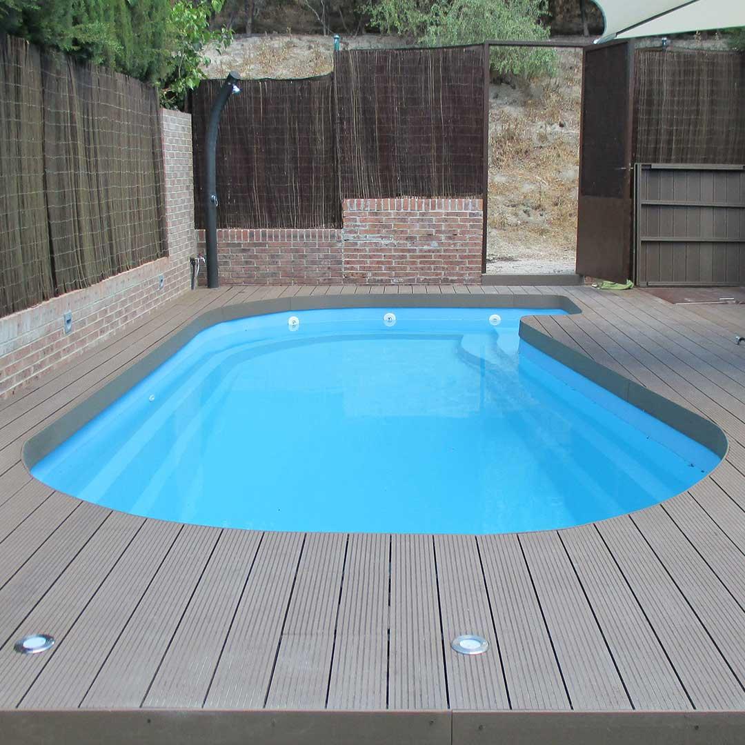 Tarima piscina en madera exterior composite - Piscinas de madera semienterradas ...