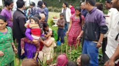 earthquake Nepal april houses damaged 11