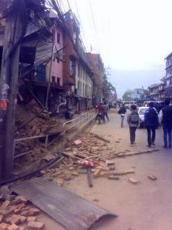 earthquake Nepal april houses damaged 2