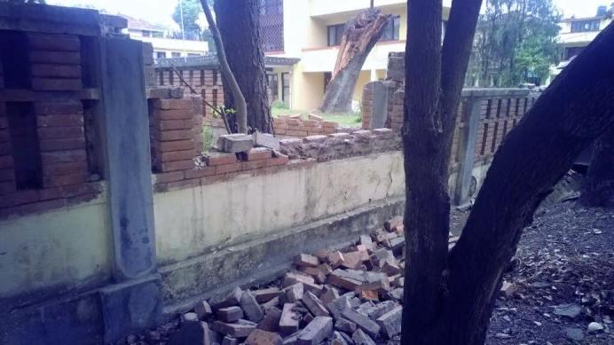 earthquake Nepal april houses damaged 3
