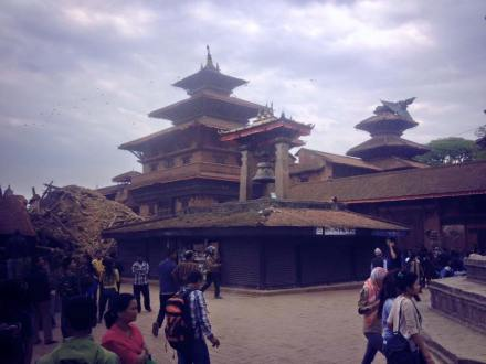 earthquake Nepal april houses damaged 6