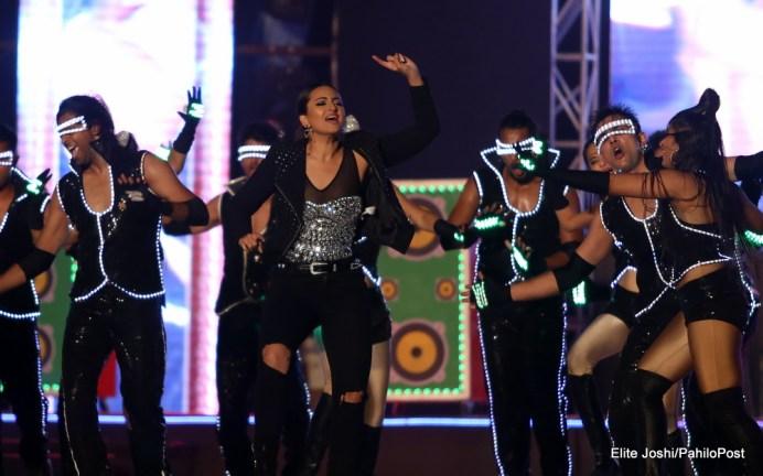 Sonakshi Sinha Performs in Kathmandu Nepal at AmarPanchhi Concert 4