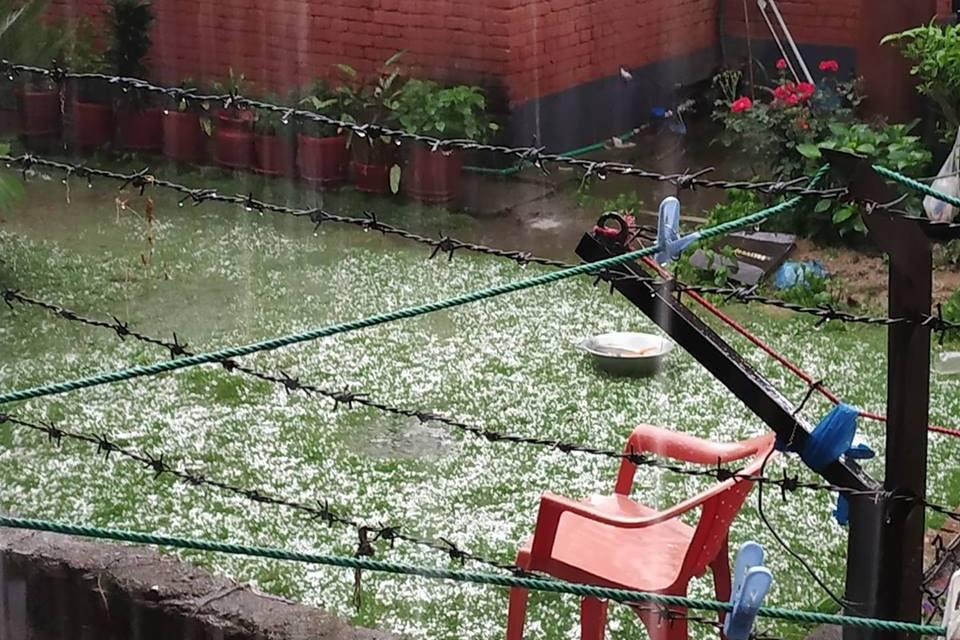काठमाडौंमा असिनासहित भारी वर्षा, अन्यत्र हावाहुरी पनि