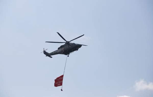 सातौँ संविधान दिवस : टुँडिखेलमा सेनाको परेड र परेवा उडाएर मनाइयो(फोटो फिचर )