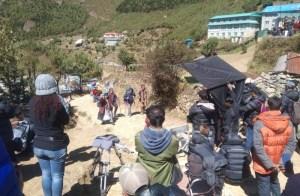 हिमाली भेगमा यसरी हुँदैछ उँचाई फिल्मको छायांकन